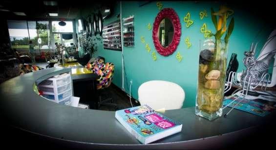 Fotos de For sale !! beauty salon, nails , spa !! 2